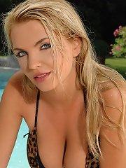 Ines Cudna posing in a sexy bikini