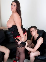 Huge tits Dani Amour riding on boner and getting spitroasted