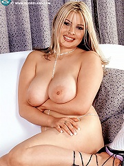 Attractive hustler shows her big delicious Melons and gets nailed by a hung male.