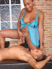 Hung black t-girl gets her chode sucked off by man