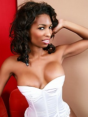 Black TS Natassia Dream in sexy white lingerie