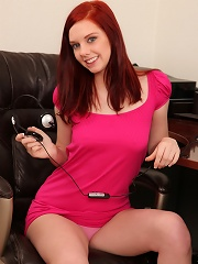 Nubiles.net Ginger Maxx - Nubile Ginger Maxx shows her sweet pussy and inserts a purple dildo into her pussy