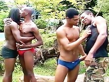 Bunch of dudes suck on each others cocks