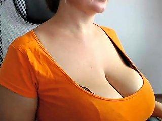 Busty Mature Jane Masturbate Her Hairy Twat