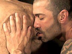 Muscle bears Junior Stellano and Bruno Bond fuck hard in anal