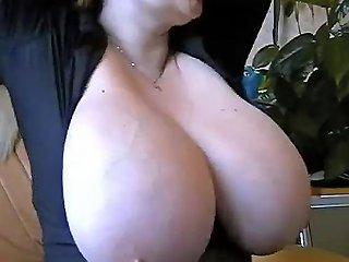 Massive Boobs Cam77