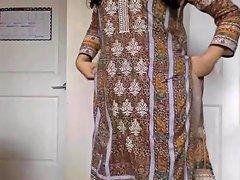 Desi Girl Stripping Her Salwar Kameez To Nude And