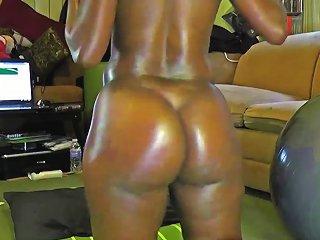 Big Booty Ebony Shakes Her Huge Ass