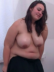 The chubby masseuse put it out there that she was looking for clients and he came to her for sex