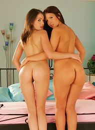 Two Teen Brunettes Licking Pussy Teen Porn Pix