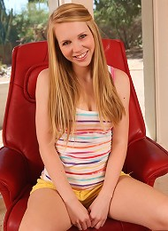 Taylor On A Red Leather Chair Teen Porn Pix