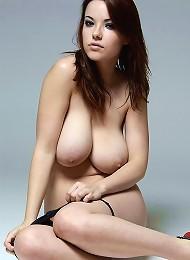 Beautiful Busty Brunette Teen Getting Nude Teen Porn Pix