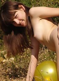 Outdoor Girl Juliya Plays In The Field Teen Porn Pix