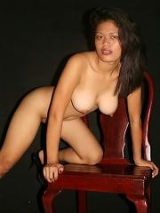 Thick and Sexy Filipina girl strips off black bikini