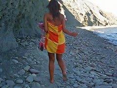 TXxx Video - Dasha In Chick Masturbates On A Beach In A Homemade Porn